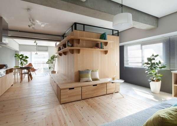 原木与绿色环绕的日本极简主义家居装修