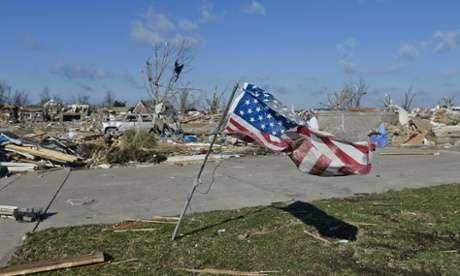 """美国中西部遭龙卷风""""组团""""袭击 至少致8人死亡"""