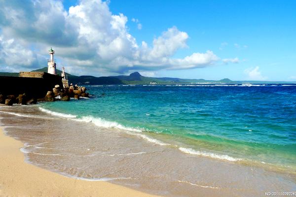 爱上台湾垦丁 碧海蓝天下的阳光沙滩图片