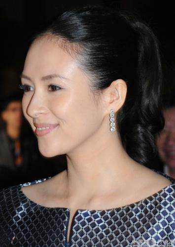章子怡外国电影_章子怡佩戴比尔斯钻石珠宝荣获亚洲电影大奖影后桂冠