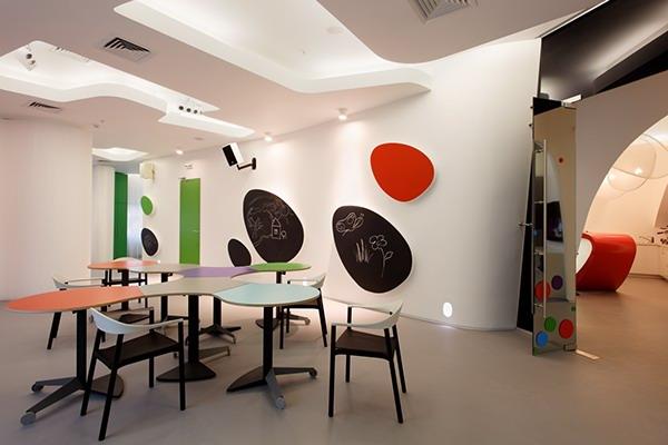 简约可爱的国外幼儿园空间设计