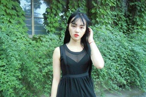 武大女神黄灿灿走红网络