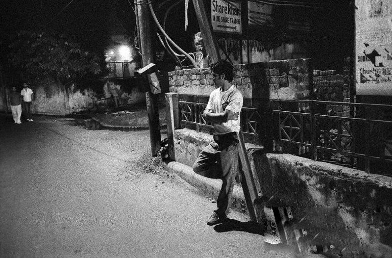 贫穷是根源 揭秘印度男性工作者的悲惨生活