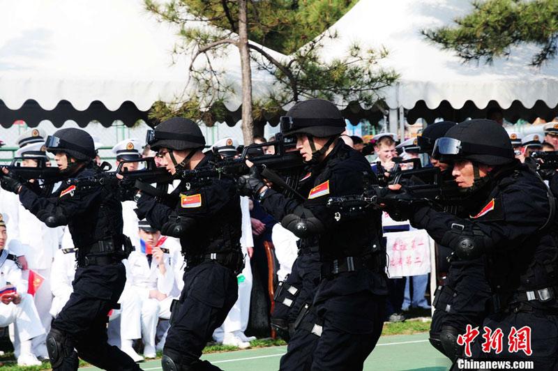 中国海军陆战队集体剃美军锅盖头 战技受俄军赞许