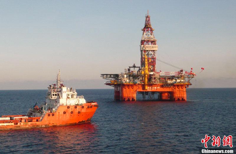 中国首座深水钻井平台南海开钻 平台作业场景曝光