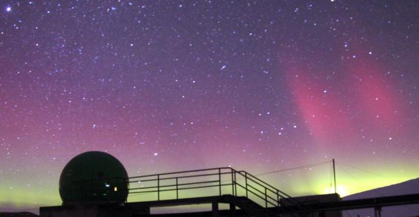 南极中山站再现绚丽极光