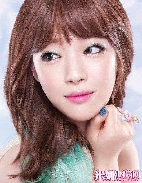 【爱美】霓虹色的妆容在 韩国Girl中间大流行