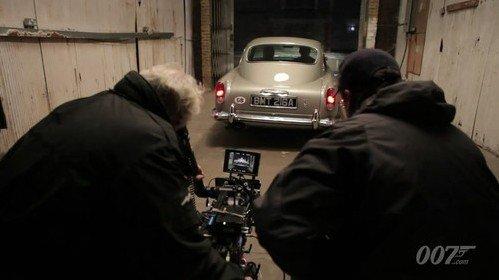 《007大破天幕杀机》经典座驾回归引影迷期待