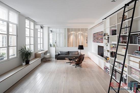 白墙木地板现代范十足 巴黎废弃厂房改成住宅公寓