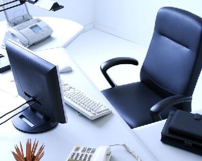 风水:办公桌物品摆放有讲究