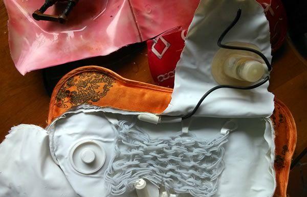 电热式的热水袋 表面有很多层防爆材质