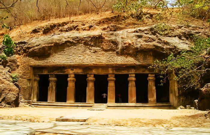 壮观的象岛石窟elephanta cave