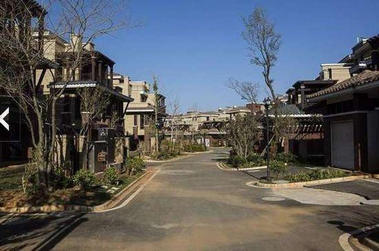 见城不见人地处辽宁省中部沿海的港口城市,北有沈阳,南有大连