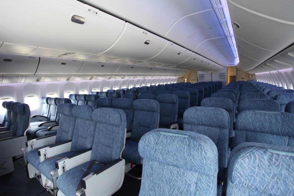 国航777-300er客机经济舱