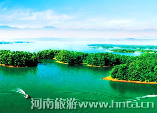 南湾湖风景区由南湾湖和南湾国家森林公园组成.