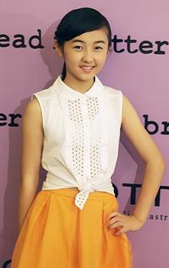 6年级女生张子枫获邀赴服装发布会被赞天真可