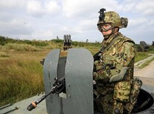 2013-11-19防务全球鹰 首度公开导弹训练 日欲借机牵制中国