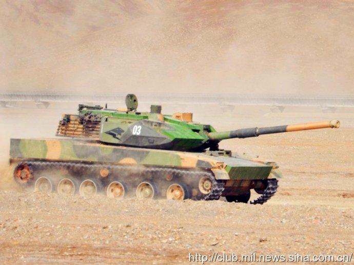 解放军新型坦克完整亮相 全重30吨 为高原而战