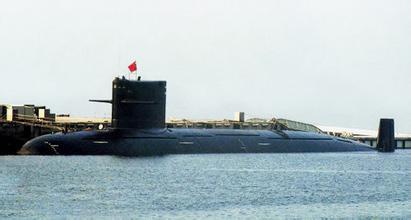 官方首曝大量093型核潜艇照片 艇身圆润