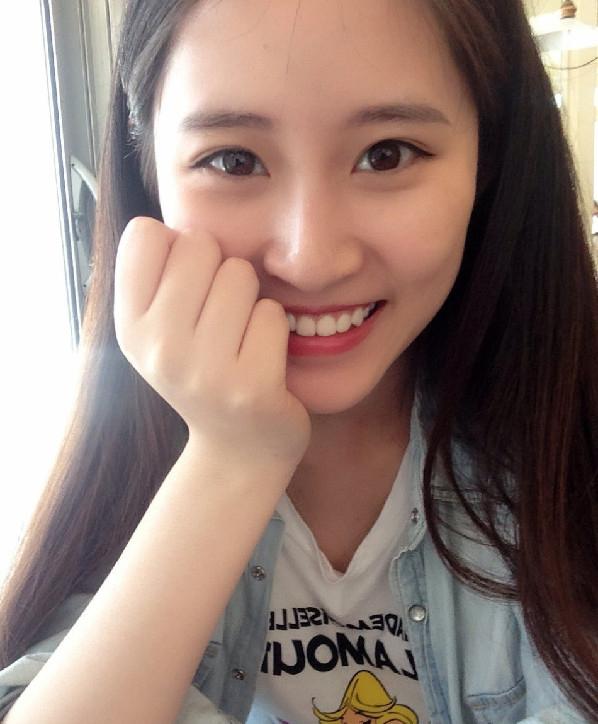 的初中学生副美女赞美主席陈子湄被走红少私立网络河西图片