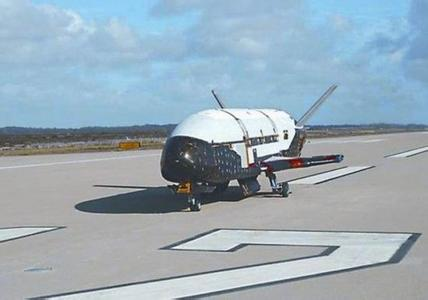 美对X-37B讳莫如深的背后:中美差距缩小丧失信心