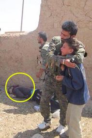 """他目睹姐姐被ISIS强奸却无能为力""""""""<"""