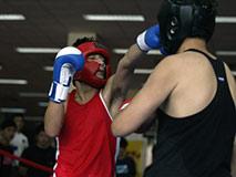 脑瘫拳击手:一对父子30年的绝地反击