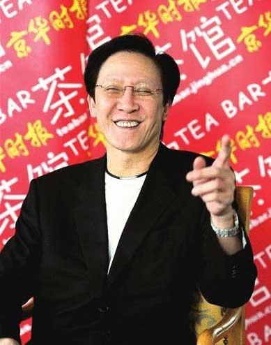 向华胜简介:香港社团掌门人 父亲是国民党少将