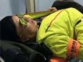 央视韩乔生滑雪与美女相撞 小腿2处骨折