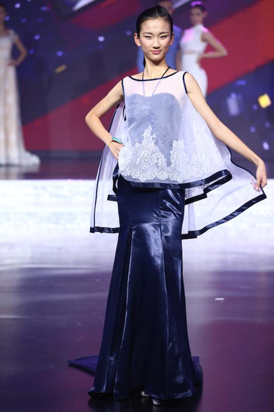 中国模特之星大赛落幕 葛澜婚纱夺光彩