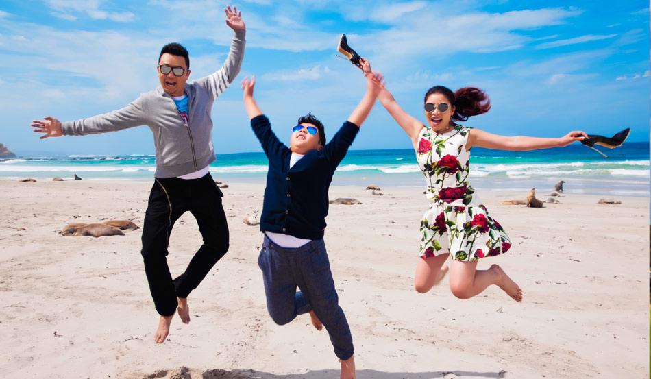 袋鼠岛海豹湾:看谁跳得更高 海边大片震撼来袭