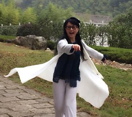 50岁李赛凤近照曝光 身材窈窕美艳依旧(图)