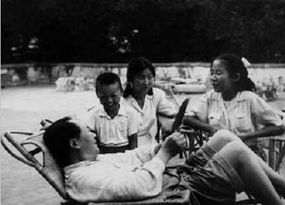 6位家人眼里的毛泽东:要子女少说空话夹 着尾巴做人
