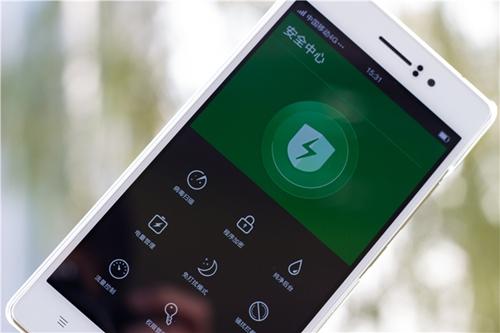 网友分享oppo r5:好用的纤薄拍照手机