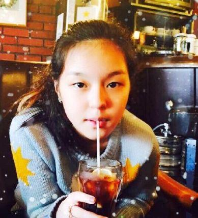 哈文李咏一家三口日本度假 13岁女儿俏丽变少女(图)
