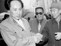 2011年沈阳再现毛泽东周恩来与江青身影:下岗工人自发演绎