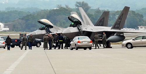 冲绳美军基地 参观 美军基地遭俄战机轰炸 - 点击图片进入下一页