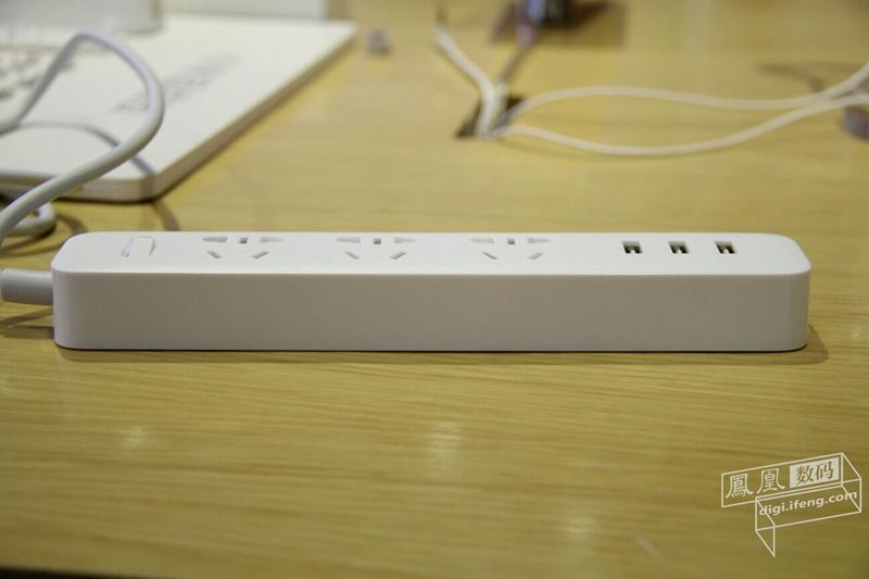 带USB接口的49元小米插排 高清图赏