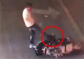 安徽骑车女逆行遭暴打踩头 次日上吊自杀