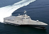 美军隐身舰无视解放军跟踪 在南海自拍