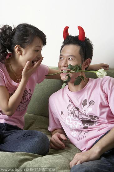 伺候老婆和情夫夏磊1 我伺候老婆和