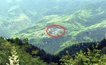 中国最美的农村房似被大自然吞没