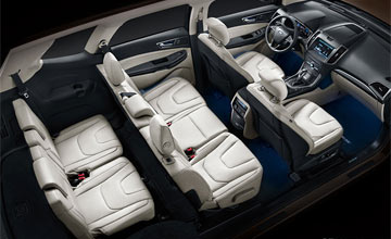 福特7座SUV空间宽敞 配置丰富豪华竞争力十足