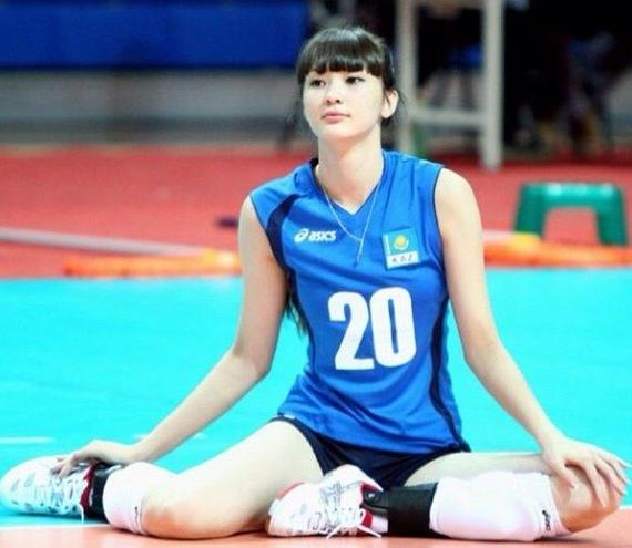 排球第一女生美少女赴日本世界被批叛国|哈萨无所谓的参训版图片