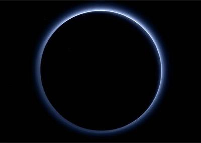 """冥王星上有""""蓝天"""""""