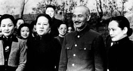 宋氏三姐妹和蒋介石的珍贵合照图片