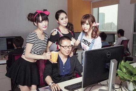 美女就是生产力!程序员鼓励师是怎样的存在?