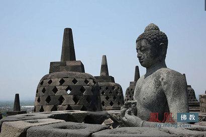 世界最大佛寺——婆罗浮屠