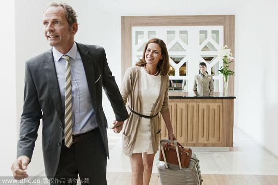 女人为什么会偏爱老男人?