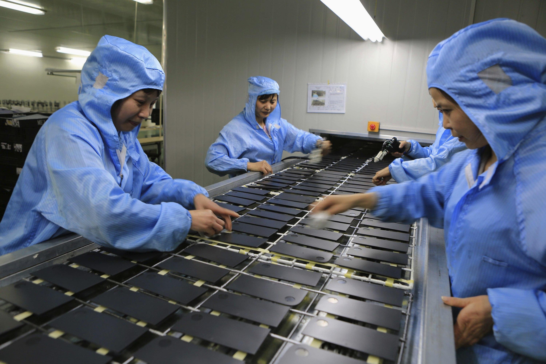 中国制造业生产线工人图片